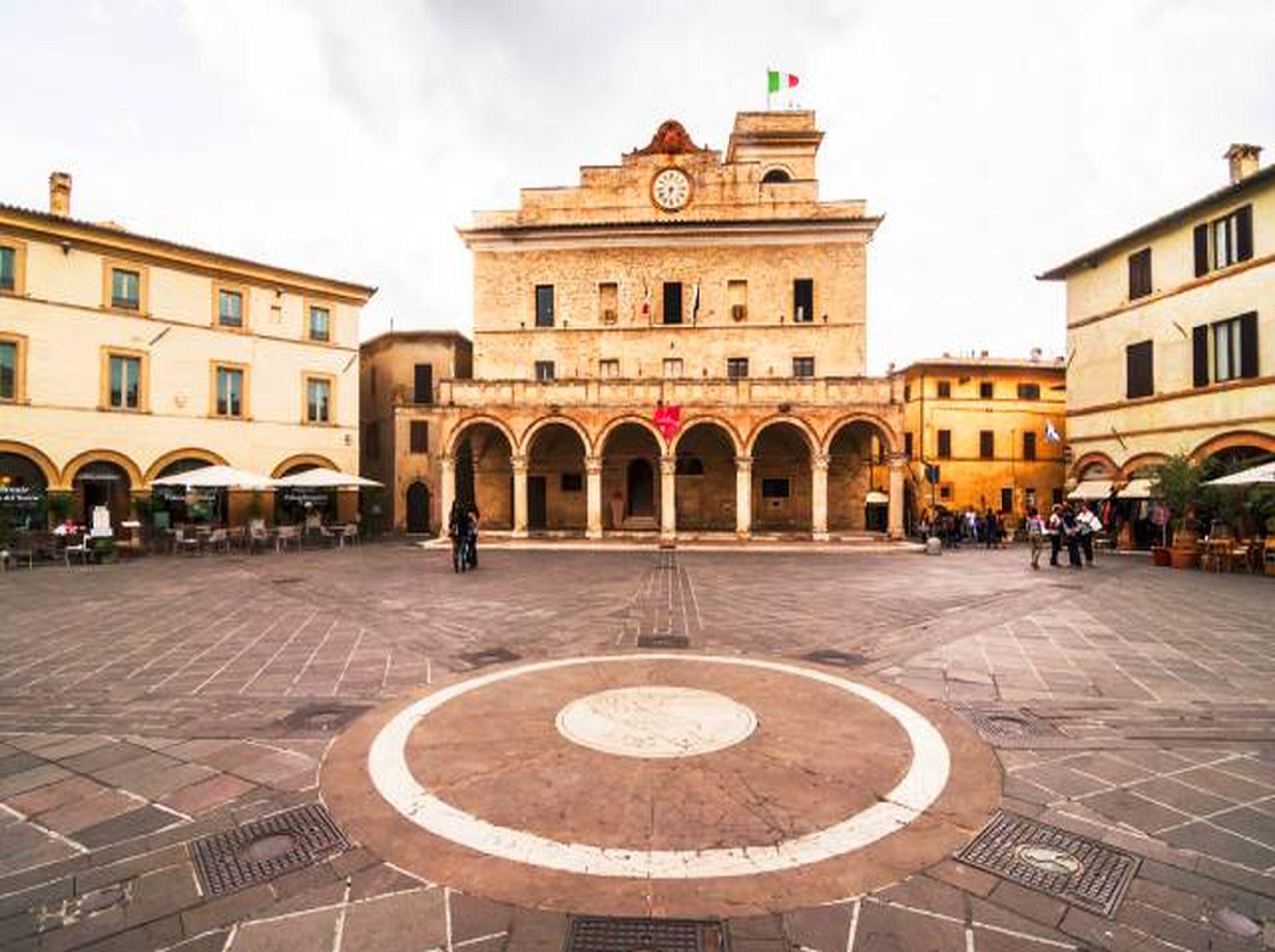 Montefalco Square